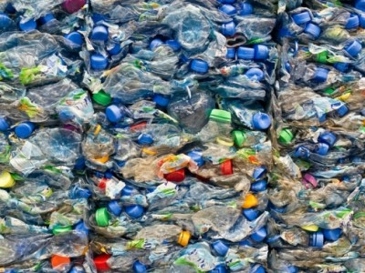 Un 70 % de los envases plásticos se reutilizarán y reciclarán en el mundo